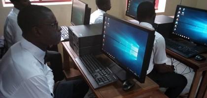 Digitale kloof in Kameroen kleiner